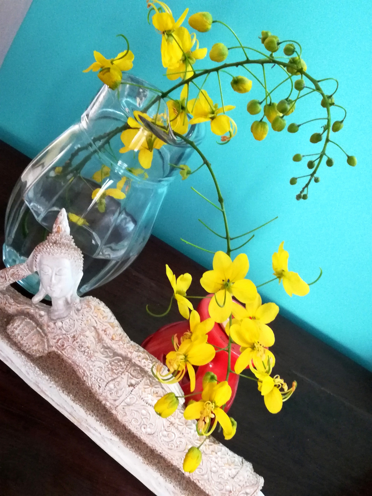 DIY home decor idea using flower Laburnum in jug design dekko