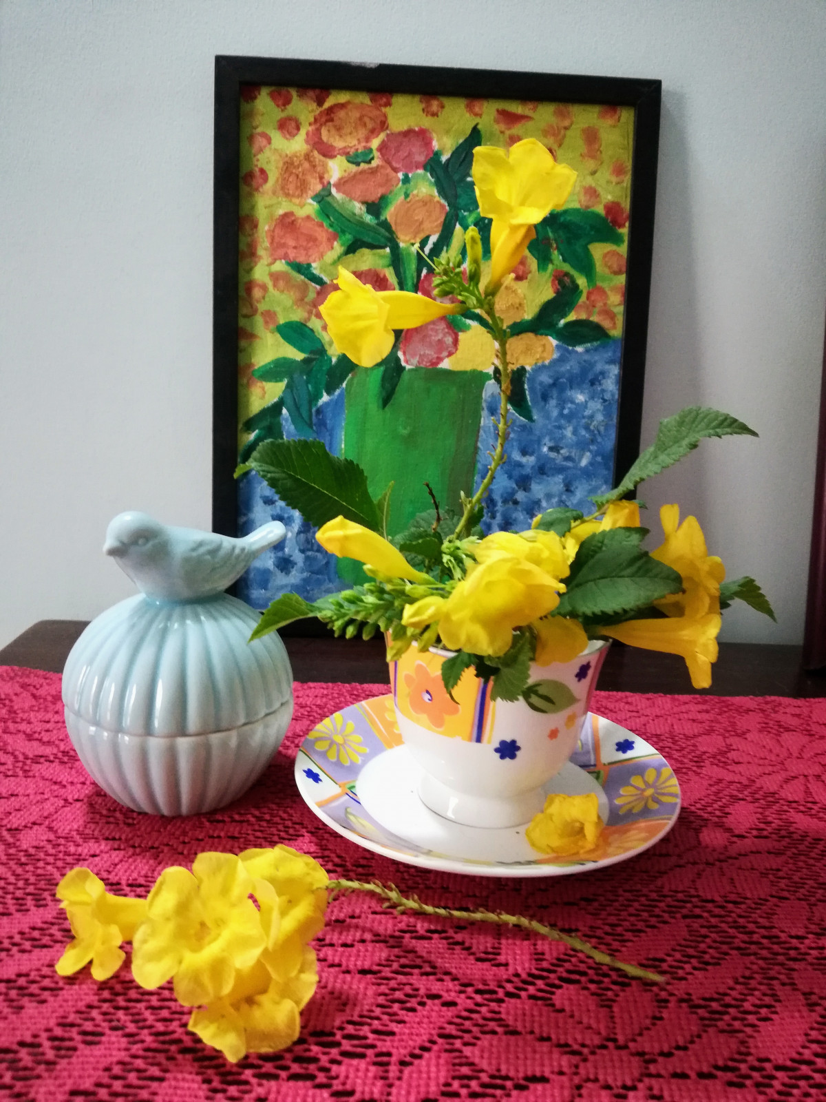Tecoma in Tea cup DIY home decor using flower design dekko
