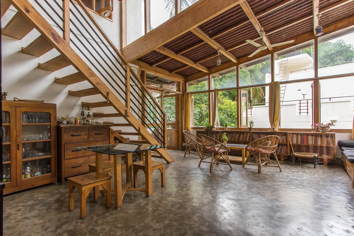 Junk and creativity come together in this eco-friendly house
