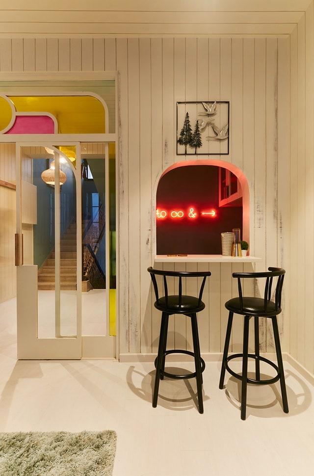 Alia Bhatt, Priyanka Chopra, Sonam Kapoor : How do Bollywood stars give you quirky ideas for kitchen decor?