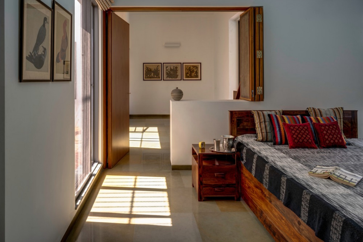 Master Bedroom and Lounge as spatial interconnected extensions   Photo credit: Fabien Charuau